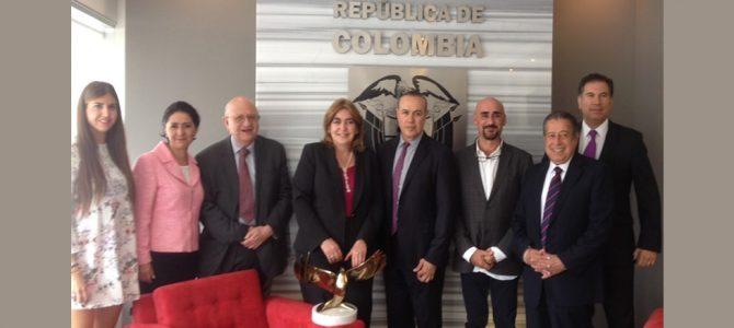 Reunión cultural en la Embajada de Colombia