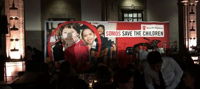 Cena en Rojo de Save the Children, en beneficio de la niñez migrante