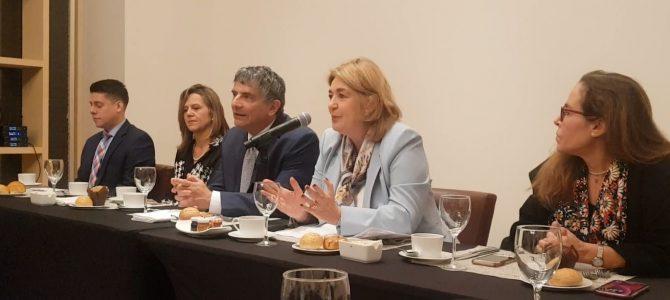 """Colombia 200 años después de la Independencia"""" con el académico colombiano Marcos Peckel"""